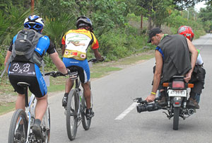 Patrick Lavaud shooting Tour de Timor 2010 for Jungle Run